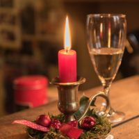 candle-581824_640